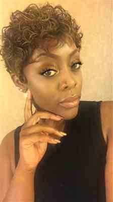 Stephanie M. verified customer review of Janet Collection Super Flow Lace Front Wig Invisible Deep Part Lace MAMAMIA