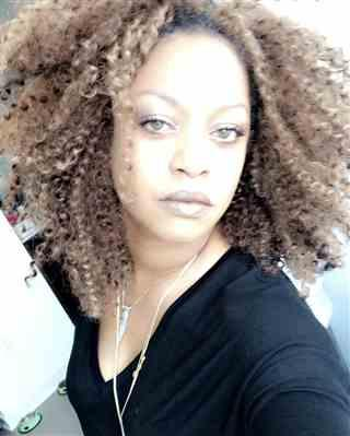 Dawn F. verified customer review of Outre X-Pression Crochet Braid KINKY CURL 24 Inch