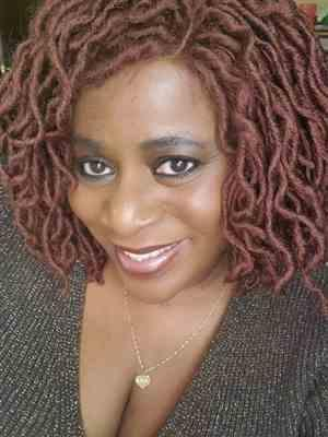 Jackie verified customer review of Zury Sis Lace Front Wig Faux Loc WELLA
