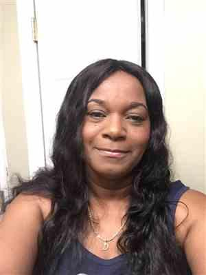 Lynne S. verified customer review of Shake-N-Go Naked Nature 100% Brazilian Remy Hair WET & WAVY Lace Frontal Closure 13X4 LOOSE CURL 12 - 16 Inch
