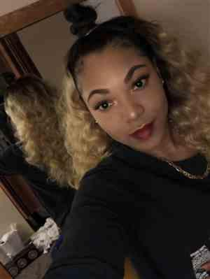 Joscelyn B. verified customer review of Outre Quick Weave Half Wig ASHANI
