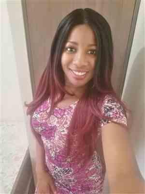 Keila Pierre verified customer review of Model Model Premium Seven Star V-Shaped Lace Front Wig EV-003