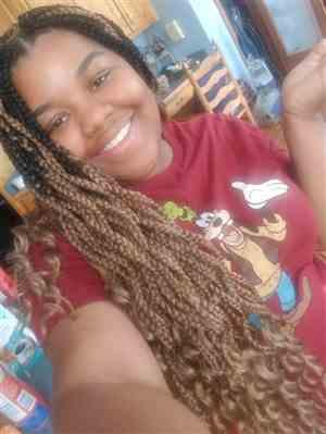 Jasmine M. verified customer review of Freetress Crochet Braid ZOEY BRAID CURLY 26 Inch