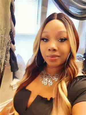 Stacey Johnson verified customer review of Sensationnel Synthetic Hair Lace Front Wig DASHLY LACE UNIT 8