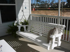 ThePorchSwingCompany.com Centerville Amish Heavy Duty 700 Lb Roll Back White Porch Swing Review