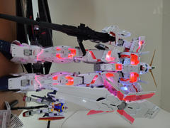 USA Gundam Store Mega Size 1/48 RX-0 Unicorn Gundam [DESTROY MODE] Review