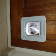 Smart Pet Devices. Cat Mate Elite Microchip Cat Flap with Timer Control- Program When Your Cat Enters & Leaves The Home Review
