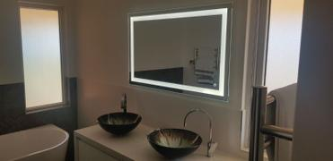 Luxe Mirrors Boujee Rectangle Frontlit LED Mirror with Demister 900mm or 1200mm Review