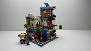 Myhobbies LEGO® 31097 Creator 3-in-1 Townhouse Pet Shop & Café Review