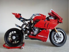Myhobbies LEGO® 42107 Technic™ Ducati Panigale V4 R Review