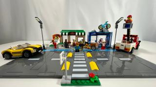 Myhobbies LEGO® 60306 Shopping Street Review