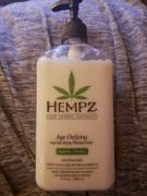 Hempz Age-Defying Herbal Body Moisturizer Review