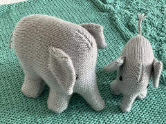 Deramores Mummy and Baby Elephant Knitting Kit and Pattern in Deramores Yarn Review