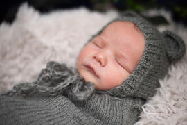 Newborn Studio Props SET Mohair Bear Bonnet and Sack - Gray Review