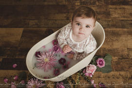 Newborn Studio Props Footed Vintage Bathtub - Bumpy Textured - White - Model 2 Review