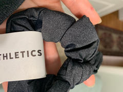 Senita Athletics Bow Scrunchie - Onyx Review