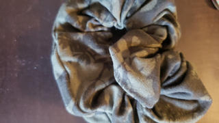 SweetLegs Canada Hidden Grove Scrunchie Review