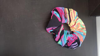 SweetLegs Canada Marvellously Marbled Scrunchie Review