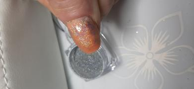 Maniology Hella Holo - Extra Fine Holographic Nail Art Powder Review