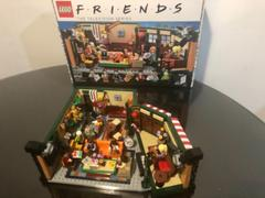 Distrito Max LEGO IDEAS Central Perk 21319 Review