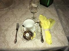 tableclothsfactory.com 5 Pack 17x17 Yellow Polyester Linen Napkins Review