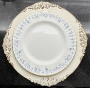 tableclothsfactory.com 6 Pack - 13 White Round Baroque Charger Plates, Leaf Embossed Antique Gold Rim Review