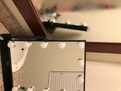 Lurella Cosmetics 15 Bulb Vanity Mirror - Avalanche Review