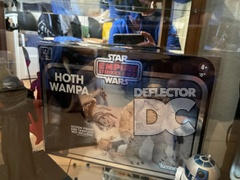 Deflector DC Star Wars TESB 40th Anniversary SDCC Wampa Display Case Review