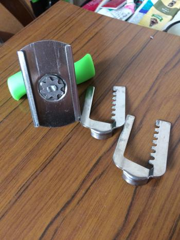 SNAPPYFINDS - Easy Twist Jar Opener Review