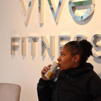 Rejuvenecimiento de agua Rejuvenecimiento de agua de recuperación a base de plantas, bebida de aminoácidos - todavía - Spanish Orange Review
