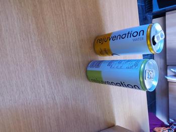 Hidratación de agua de rejuvenecimiento + Agua con gas con electrolitos y aminoácidos - Paquete variado 12 x 250ml Revisión