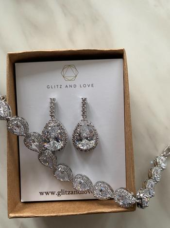 Glitz & Love Silver Teardrop Cubic Zirconia Jewelry Set Review