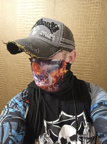 TrendyVibes.CO Stretchable and Seamless Cool Skulls Face Mask Neck Gaiter Review