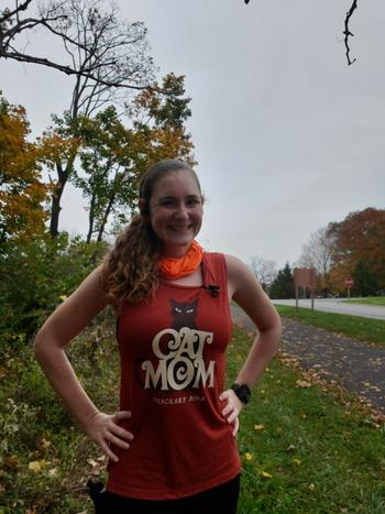 Raw Threads Athletics Hocus Pocus Cat Mom (Thackary Binx) Brick Flowy Tank Review