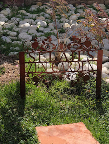 Modernist Metal Floral Garden Stake Review