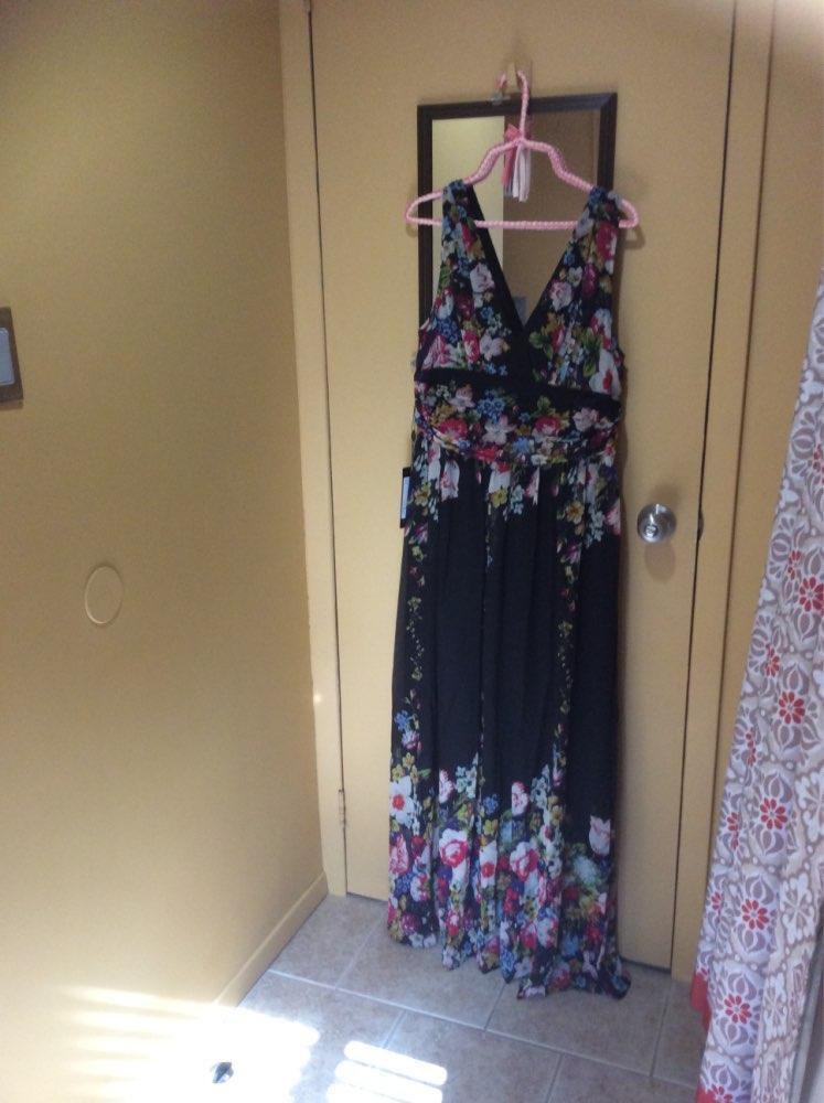 Plus Size Sleeveless V-Neck Semi-Formal Maxi Dress - Ever ...