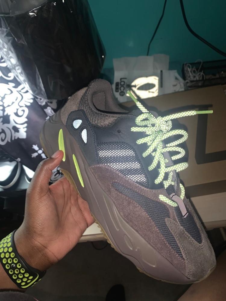 yeezy 700 shoelaces