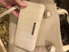 Kelly Wynne Wynner's Wallet in Almond Croco Review