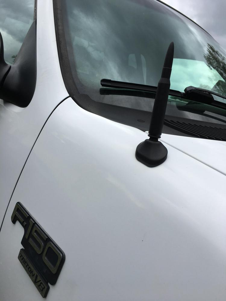 CravenSpeed Stubby Antenna Replacement for the Ford Expedition 2011-2018 4 Inches