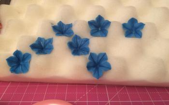 Blossom Sugar Art Petunia Flower Cutter and Mould Single Set Review