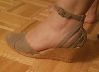 VISCATA Ullastret Suede Wedges - Ash Grey Review