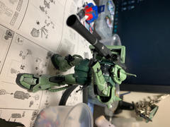USA Gundam Store RG 1/144 #04 MS-06F Zaku II Review