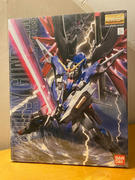 USA Gundam Store Bandai MG 512437 GUNDAM ZGMF-X42S Destiny Gundam 1/100 scale kit Review