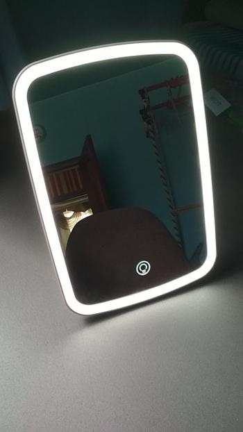 Kitchen Groups Smart Portable Makeup Mirror Review