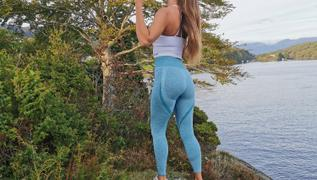Famme Icy Blue Elevate Vortex Leggings Review