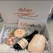Simple & Sentimental Signature Congrats Deluxe Engagement Gift Box Review