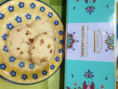 Gourmet Grocery By OurChoice  Farmhouse Biscuits Kensington Salted Caramel Biscuits in Tin 225g Review