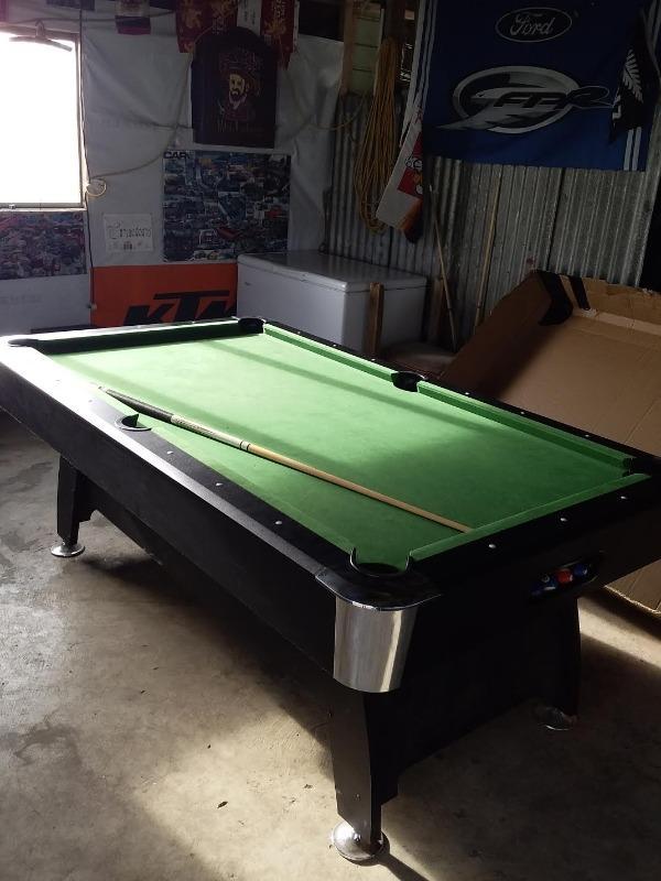 Skark 7ft Pool Table (Green Felt) | Deal Mart