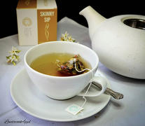 ESSENCESIP Tea Co SKINNY SIPⓇ Herbal Slimming Tea Review