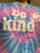 sunshinesisters be kind tee - lavender & blue tie dye Review